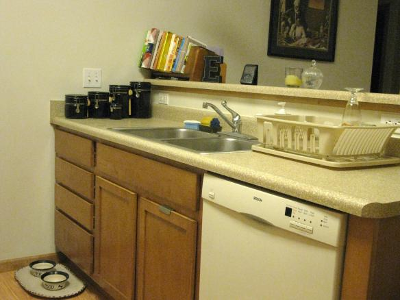 After I cleaned up--all is right with the kitchen/world, until tomorrow.